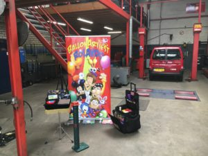 Profile Tyre Center in Oss met ballonartiest Rolando